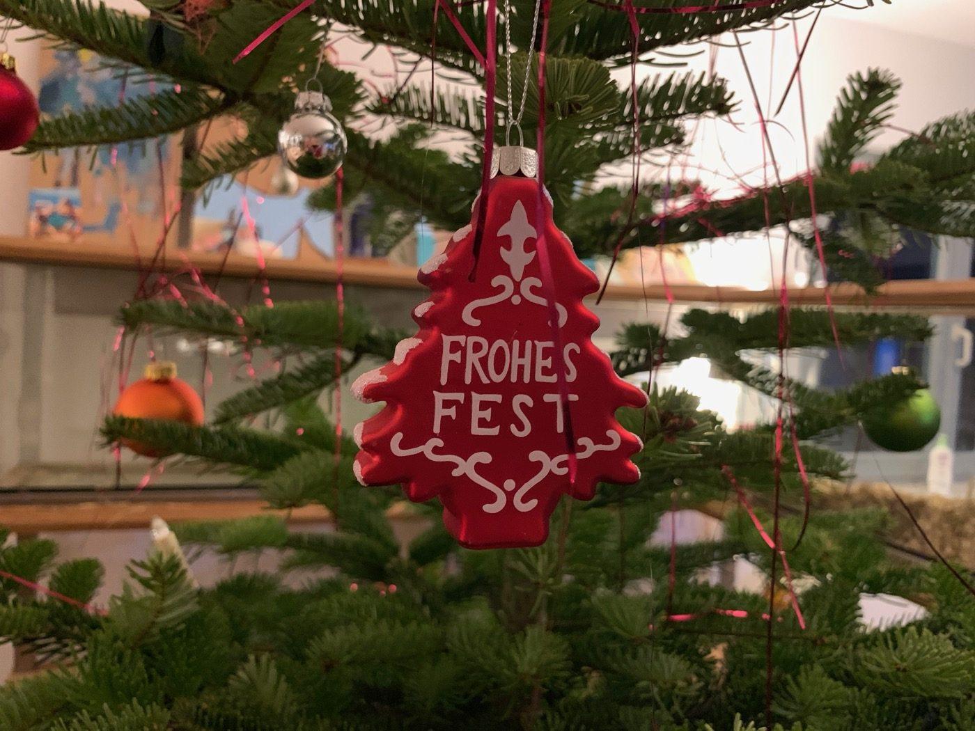 Frohe Weihnachten Bewegte Bilder.Einfach Frohe Weihnachten Drei Erdenbewohner